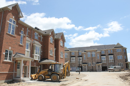 Bond Lake Richmond Hill Construction